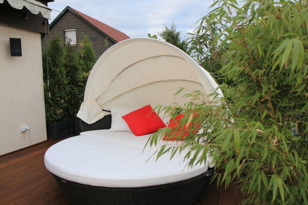 balkon oder terrassenarrangements fragen bilder pflanz und pflegeanleitungen rund um das. Black Bedroom Furniture Sets. Home Design Ideas